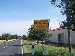 Ortseingang von Niederreißen (Landkreis Weimarer Land) aus Richtung Oberreißen