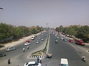 Outer Ring Road, Delhi - Outer Ring Road as seen from Janakpuri Flyover at District Center, Janakpuri