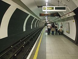 Oxford Circus stn Bakerloo northbound look south