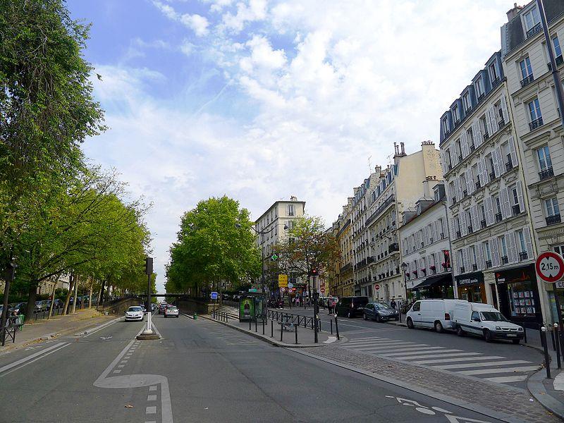 Fichier:P1050345 Paris XII avenue de Saint-Mandé rue du Niger rwk.JPG