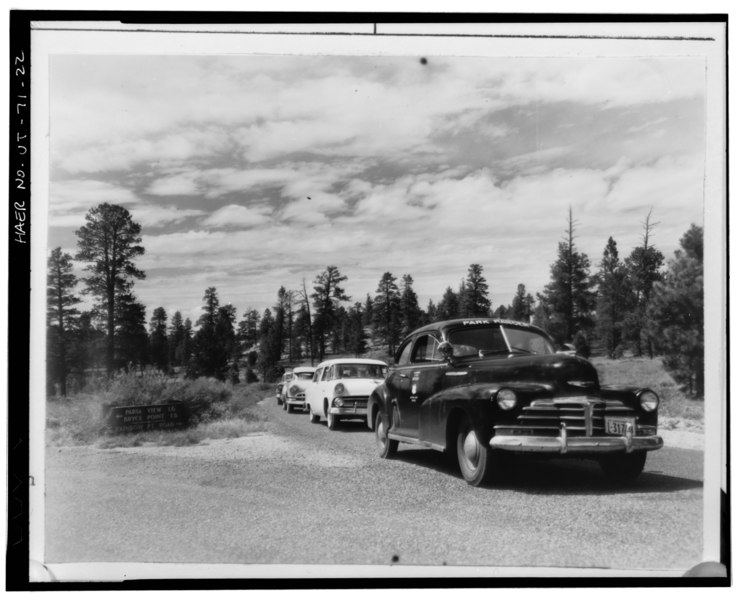 file park ranger patrol car and other vehicles at paria point rainbow point wye bryce canyon. Black Bedroom Furniture Sets. Home Design Ideas