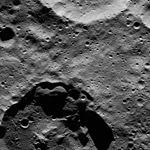 PIA20666-Ceres-DwarfPlanet-Dawn-4thMapOrbit-LAMO-image86-20160322.jpg