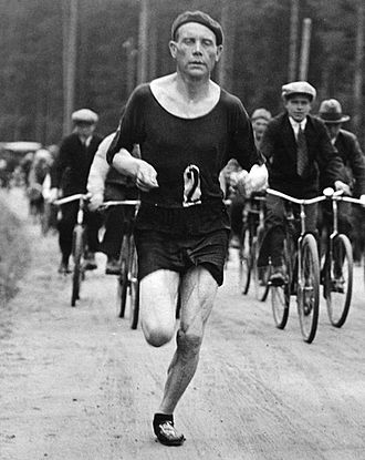 Paavo Nurmi - Nurmi running his first and only marathon at the 1932 Olympic trials in Viipuri