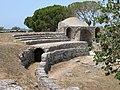 Paestum, Anfiteatro - panoramio - Carlo Pelagalli.jpg