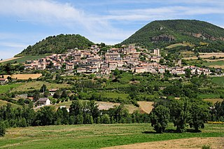 Panoramic view of Compeyre at the Tarn river valley - panoramio.jpg