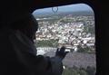 Papa Francisco sobrevoa o Santuário de Fátima (12 de Maio de 2017).png