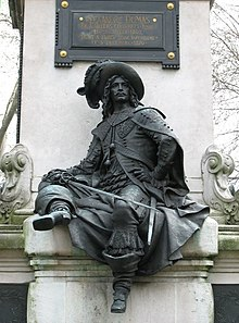 https://upload.wikimedia.org/wikipedia/commons/thumb/9/9a/Paris-dumas-monument01.jpg/220px-Paris-dumas-monument01.jpg