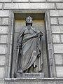 Paris (75008) Église de la Madeleine Extérieur Statue 27.JPG