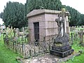 Parsons tomb in Horley churchyard - geograph.org.uk - 534465.jpg