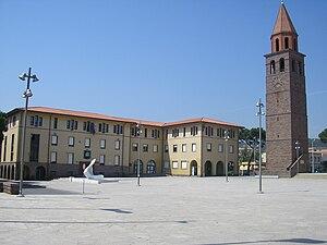 English: Piazza Roma in Carbonia, Sardinia, It...