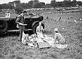 Picknick bij paardenraces, Bestanddeelnr 255-9706.jpg