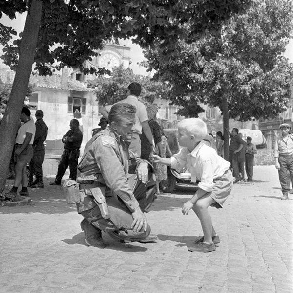 תל אביב - השחקן קירק דאגלס