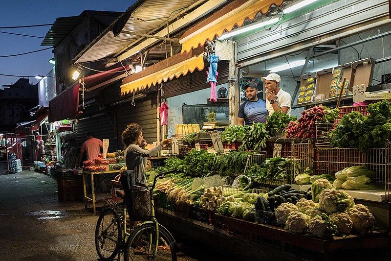 שוק הכרמל - עם סגירה