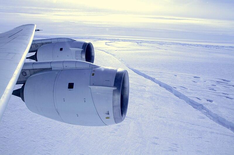 File:Pine Island Glacier ice shelf rift (6305644921).jpg