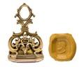 Pitschaft i guld med graverat manshuvud i profil,1700-tal - Hallwylska museet - 110327.tif
