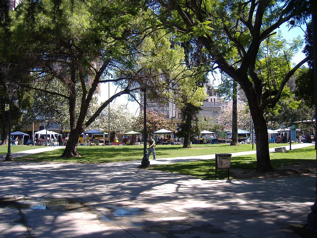 En el parque con shorcito - 3 1