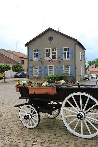 Pommérieux the town hall