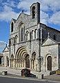 Pons 17 Église façade 2014.jpg