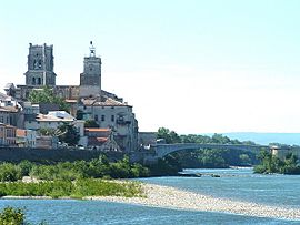 Saint Saturnin church and the medieval bridge over the Rhône River