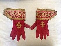 Pontifical gloves.JPG