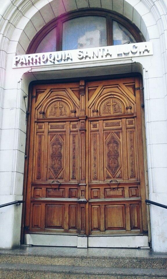 Portón Parroquia Santa Lucía