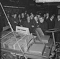 Prins Bernhard op de RAI, de Prins bij de Ford stand, Bestanddeelnr 917-4673.jpg