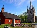Pyhämaan vanha ja uusi kirkko.jpg