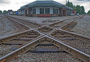 Railroad crossover in Corinth, Mississippi, United States.jpg