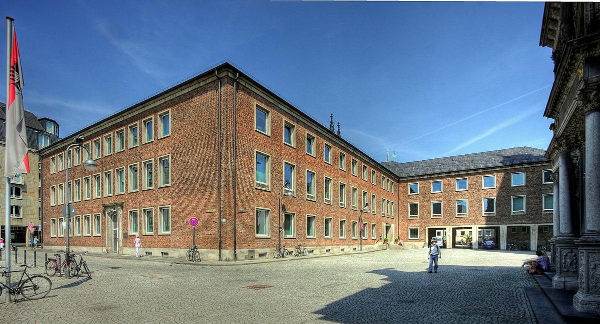 Rathaus Köln - Spanischer Bau (3063-65).jpg