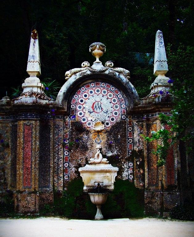 Fontaine dans le jardin de la Regaleira à Sintra au Portugal - Photo de Nelson Monteiro Magalhães