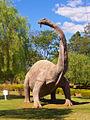 Replica de Titanossauro em Peirópolis.jpg