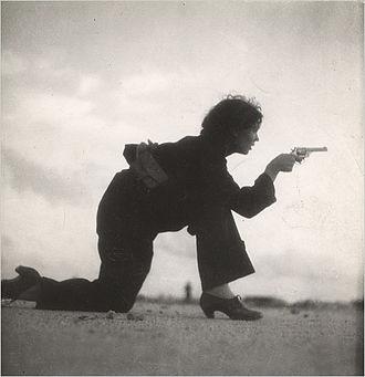 Gerda Taro - A 1936 photograph by Taro showing a woman training for a Republican militia