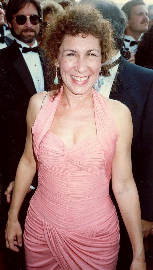 Rhea Perlman (1988)
