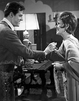 I Spy (1965 TV series) - Culp as Kelly Robinson with Jeanette Nolan, 1966