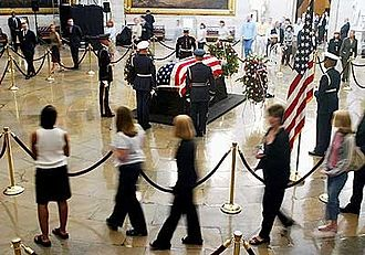 Death and state funeral of Ronald Reagan - The casket bearing the body of former President Ronald Reagan lies in the United States Capitol rotunda