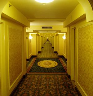 English: Hallway at the Royal York Hotel