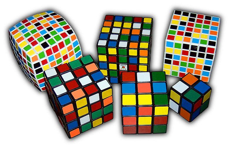 La historia del Cubo de Rubik 800px-Rubik%27s_Cube_variants