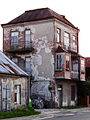 Rudnik nad Sanem - opuszczony budynek w pobliżu Rynku.jpg