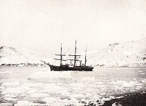 Antarctic (ship) - Antarctic trapped in pack ice