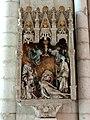Saint-Quentin (02), basilique St-Quentin, chapelle rayonnante nord, groupe sculpté - St Nicolas avec un donateur et 2 autres personnages 1.jpg