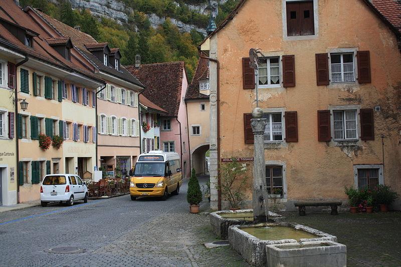 File:Saint-Ursanne 2772.jpg
