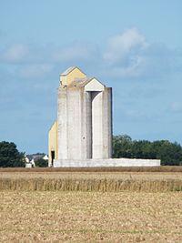 Saint-martin-en-Campagne, Seine-Maritime, France, silo.JPG