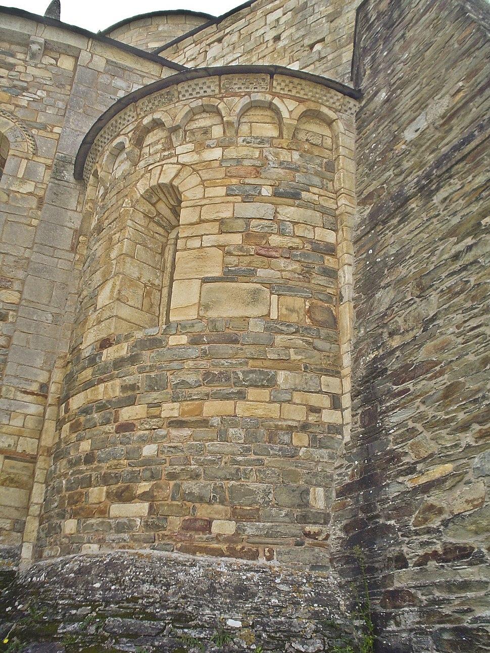 San Martiño de Mondoñedo exterior ábsida románico lombardo