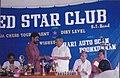 Sathish Kalathil hands over memento to mayor Jose Kattukkaran.jpg