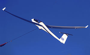 A Ventus 2a glider being winch launched