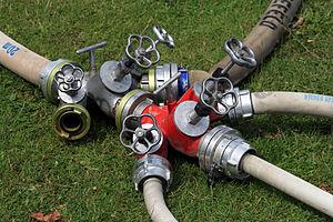 Storz - Image: Schlauchverteiler Feuerwehr