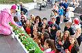 Sean Banan-fans på Skansen inför Allsång 2013.jpg