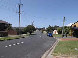 Seaview Parade, Elanora, Queensland.jpg