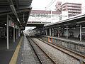 Seibu-railway-shinjuku-line-Shin-sayama-station-platform.jpg