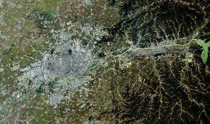 Shenyang-Fushun urban agglomeration, LandSat-5, 2010-09-29.jpg